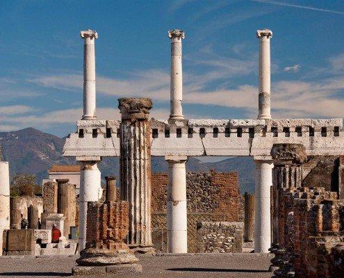 Classic Pompeii Tour